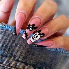 Celebrate autumn with fun and spooky halloween nails. Photo Credits: - New Ideas Mickey Mouse Nail Design, Mickey Mouse Nails, Cute Acrylic Nails, Cute Nails, Pretty Nails, Red Nail Polish, Red Nails, Halloween Nail Art, Spooky Halloween