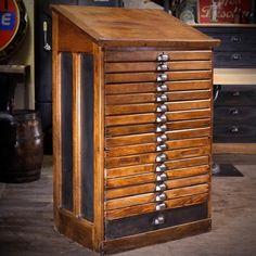 Toulouse, Deco Design, Info, Liquor Cabinet, Antiques, Storage, Html, Table, Furniture