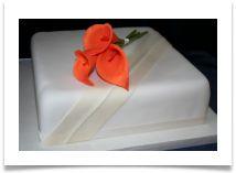 Simple cake but with Stargazer Lily's Grandma Birthday Cakes, Cake Makers, Stargazer, Butter Dish, Wedding Things, Cake Ideas, Tulips, Wedding Cakes, Wedding Ideas