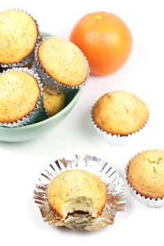 Orange Poppy Seed Muffins are a sweet way to start the morning! Make a few dozen of these twists-on-a-classic to serve at your next brunch or baby shower, or even Easter. Orange Poppy, Best Breakfast Recipes, Breakfast In Bed, Thanksgiving Recipes, Food Inspiration, Twists, Seeds, Brunch, Easy Meals