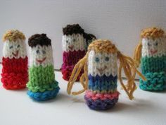 Poppets - Knitted Finger puppets - Free Pattern