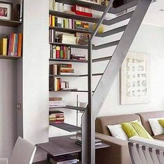 Libros en la escalera