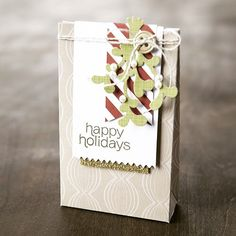 """We are IN LOVE with the November """"Mistletoe & Holly"""" kit! How many refills will you need? #makeallthethings #mistletoeandholly #paperpumpkin #skiptothefun"""