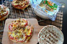 Pizza de pan de pita (Receta fácil)