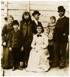Antonin Dvorak and his family in United States, 1893 (image)