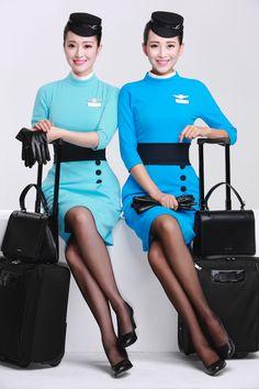 How cute!! The new flight attendant uniforms for XiamenAir! So classic yet modern! Great job!! #flightattendant #xiamenair #stewardess
