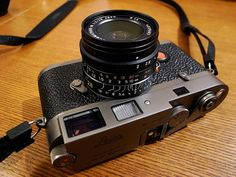 Ginza Titanium Leica MP, number 12 of a limited edition of 150 cameras with the current Summicron About of the cameras on this site are accidental run-ins with folks on the streets but occasionally friends of mine have a camera they want to. Rangefinder Camera, Leica Camera, Camera Gear, Film Camera, Photography Camera, Glamour Photography, Video Photography, Old Cameras, Vintage Cameras
