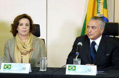 A indicada para a Secretaria de Políticas para as mulheres, Fátima Pelaes, com Michel Temer