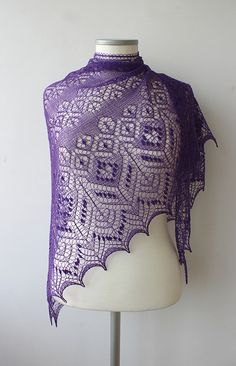 Ravelry: Tiina Lilleaed pattern by Tiina Arusoo FREE. I wish this would be available in English. Knit Or Crochet, Lace Knitting, Crochet Shawl, Finger Knitting, Knit Lace, Knit Cowl, Crochet Granny, Beginner Knitting Patterns, Knitting Designs