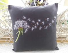 Embroidered Cushions, Spring Home Decor, Cushion Covers, Embroidery Stitches, Fabric Crafts, Tatting, Needlework, Throw Pillows, Sewing