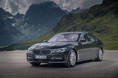 Представлены три гибридных варианта BMW 7-й серии