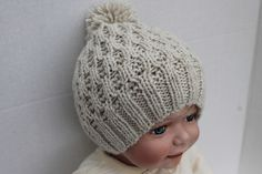 Ravelry: t-a-n-y-a's Honeycomb Cable Hat