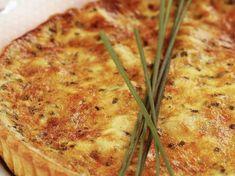 Tarte au saumon fumé et ciboulette : découvrez les recettes de cuisine de Femme Actuelle Le MAG Gluten Free Recipes, Free Food, Entrees, Zucchini, Food And Drink, Pizza, Cheese, Vegetables, Healthy