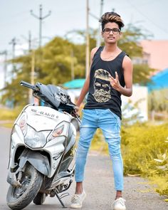 Best Poses For Boys, Good Poses, Photoshoot Pose Boy, Boy Photo Shoot, Studio Background Images, Background Images For Editing, Hd Background Download, Picsart Background, Boy Pictures