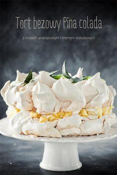Tort bezowy { Piña Colada Cake Meringue Pavlova of Coconut-Pineapple } Meringue Desserts, Meringue Cake, Just Desserts, Delicious Desserts, Yummy Food, Meringue Pavlova, Sweet Recipes, Cake Recipes, Dessert Recipes