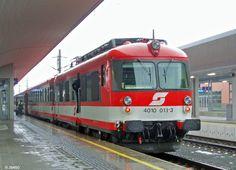 ÖBB Österreichische Bundesbahnen AG, austrian federal railways visual identity - Linz Hbf