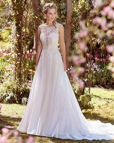 Wedding Dress Photos - Find the perfect wedding dress pictures and wedding gown photos at WeddingWire. Browse through thousands of photos of wedding dresses. Wedding Dress Pictures, Wedding Dress Trends, Dream Wedding Dresses, Designer Wedding Dresses, Wedding Gowns, Wedding Venues, Lace Wedding, Wedding Ideas, A Line Bridal Gowns