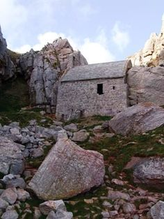 Ancient  stone house in Wales? (I thought this was Non's chapel in West Wales, but I could be wrong.)
