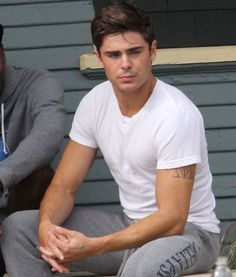 Hot Guys In Plain White Ts- Zac Efron lookin' so Brando