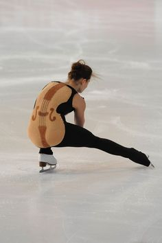 "Julia Sauter's infamous free skate costume at the 2014 Nebelhorn Trophy. This cellobutt situation got her a 1-point ""costume failure"" deduction. She was skating to Beethoven's 5 Secrets - OneRepublic..."