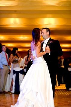 Best Wedding Bands That Learn First Dances