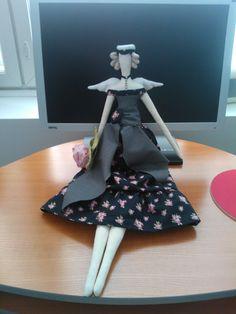 tilaus Tildani ylioppilaalle Summer Dresses, Dolls, Fashion, Summer Sundresses, Moda, Sundresses, Fashion Styles, Puppet, Doll