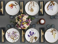 Concepts for setting the desk with magnificence in spring with the Flora dishes of . Concepts for setting the desk with magnificence within the spring with the Flora dishes by Royal Copenhagen Royal Copenhagen, Elegant Table Settings, Beautiful Table Settings, Dresser La Table, Wedding Gift List, Table Setting Inspiration, Table Set Up, Deco Table, Decoration Table