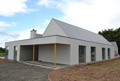 James Corbett Architects is an architecture practise based in Limerick City. Country House Design, Bungalow House Design, Cottage Design, Bungalow Ideas, Bungalow Exterior, Bungalow Renovation, House Designs Ireland, Courtyard House Plans, Ireland Homes