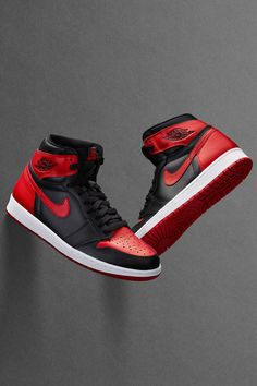 "The Air Jordan 1 ""Banned"", ""Black Toe"", and ""Top are all restocking tomorrow on Nike SNKRS at EST. For more details, tap the link in our bio. Ar Jordan, Jordan 1 Black, Jordan 1 Retro High, Latest Sneakers, Sneakers Fashion, Sneakers Nike, Zapatos Nike Jordan, Zoom Iphone, Iphone 5c"