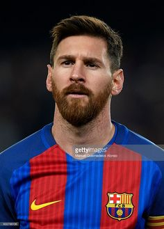 Lionel Messi of Barcelona looks on prior to the Copa del Rey quarter-final second leg match between FC Barcelona and Real Sociedad at Camp Nou on January 2017 in Barcelona, Spain. Messi Vs, Messi Soccer, Leonel Messi, Soccer Art, Soccer Guys, Football Player Drawing, Soccer Players, Lionel Messi Barcelona, Fc Barcelona