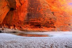 Discovery : Cathedral Gorge (of The Bungle Bungles) Discovery, Cathedral, National Parks, Nature, Naturaleza, Cathedrals, Nature Illustration, Off Grid, Natural