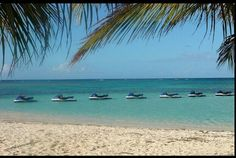 I love this place its the beach and the yatch that I will go ..... riding