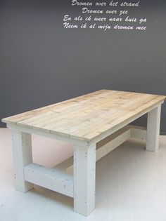 Kloostertafel steigerhout oud en white wash onderstel Love this table for The garden Rustic Farm Table, Farmhouse Table, Slab Table, Wood Table, Patio Chairs, Diy Table, Wood Design, Dining Room Table, Lounge