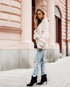 Sweater: tumblr white oversized oversized denim jeans light blue jeans ripped jeans boots ankle