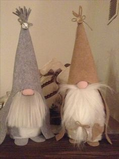 See more ideas about Christmas crafts, Crafts and Christmas diy. Christmas Gnome, Primitive Christmas, Diy Christmas Gifts, Christmas Projects, Christmas Decorations, Christmas Ornaments, Scandinavian Gnomes, Scandinavian Christmas, Felt Crafts