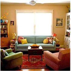 Sala de estar, esta diseñada con colores tetradas que le da una sensación de tranquilidad.