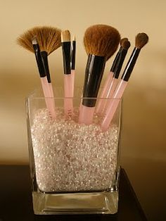 Cute idea to organize Makeup Brushes for the bathroom