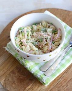 Pasta met ham, ui en doperwtjes