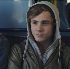 """Skam 30 day challenge willnotaskagain: """"Day Favorite male character(s) ♥ Isak Valtersen ♥ I truly don't know where to start or how I can explain why I love him. Series Movies, Tv Series, Noora And William, Isak Valtersen, Isak & Even, Nerd, Funny Love, Cute Gay, Gay Couple"""