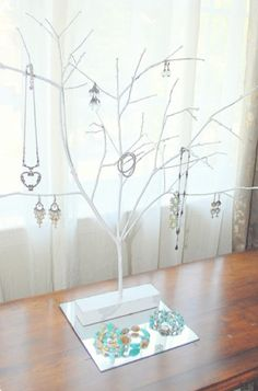 miken's crafts & more: diy tree branch jewelry holder - makeup - Jewellery Storage, Jewelry Organization, Jewellery Display, Necklace Display, Tree Necklace, Gold Necklace, White Branches, Tree Branches, Painted Branches
