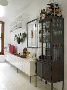 Estantes na cozinha | sala da la