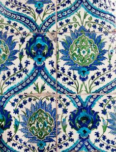 and a little green....love this pattern and the colors.  Verandah House Interiors
