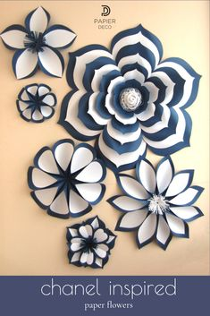 These incredibly expressive paper flowers of white and navy are just perfect for a gourmet party or for a sophisticated female space. Large Paper Flowers, Paper Flower Wall, Paper Flower Backdrop, Diy Flowers, Wall Flowers, Paper Flower Patterns, Paper Flower Tutorial, Flower Template, Paper Decorations