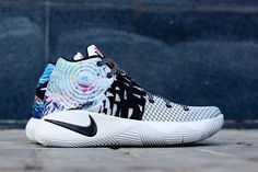 """Kyrie Irving's second Nike signature sneaker is getting ready for its debut drop on Tuesday, the of December. Nike has dubbed the colorway """"Effect"""" Girls Basketball Shoes, Basketball Socks, Volleyball Shoes, Sports Shoes, Sneakers Fashion, Fashion Shoes, Men Fashion, Kyrie Irving Shoes, King Shoes"""