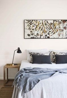 Architect Philip Corben and interior stylist Lucy Purchas Corben created the perfect holiday house, named Ayindi, in Byron Bay. Cute Dorm Rooms, Cool Rooms, Master Bedroom, Bedroom Decor, Bedroom Ideas, Modern Bedroom, Farmhouse Side Table, Coastal Bedrooms, Home Look