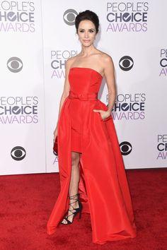 People's Choice Awards Red Carpet 2016: Abigail Spencer in Stuart Weitzman Legwrap sandals.