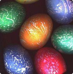βαψιμο αυγων μαργαρινη -Easter egg decoration DIY