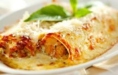 Beef Cannelloni with Bechamel Sauce - The Foodie Dad Italian Marinade For Chicken, Chicken Marinade Recipes, Chicken Wing Recipes, Pasta Recipes, Cooking Recipes, Sauce Béchamel, Bechamel Sauce, Beef Enchiladas, Mexican Food Recipes