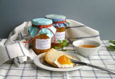 Mermelada de Mandarina al aroma de Menta Camembert Cheese, Dairy, Food, Ideas, Recipes, Homemade Jelly, Sweet Desserts, Mint, Vegetables