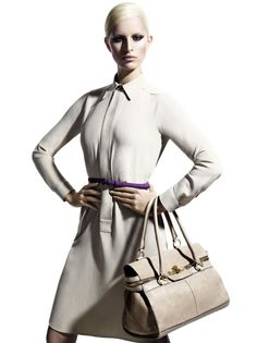 Max Mara Campaign SS 2011 - Karolina Kurkova by Mario Sorrenti Mario Sorrenti, Post Baby Body, Vogue, Work Looks, Latest Hairstyles, Max Mara, Well Dressed, Fashion News, Women's Fashion